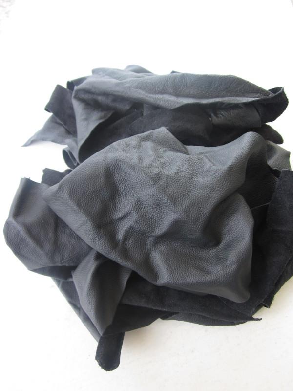 Chute de cuir vachette rectifié noir