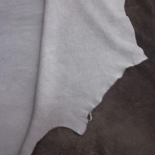 Grande chute de cuir vachette V gris
