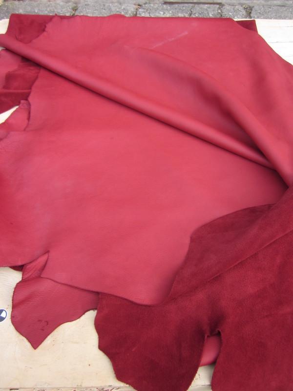 Peau de vache cuir aniline rouge