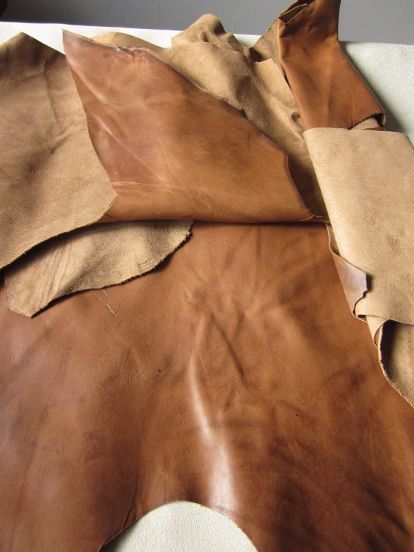 Chutes de cuir vachette marron vieilli