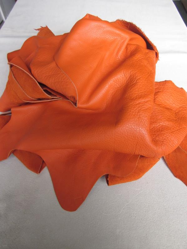 Chute de cuir pleine fleur orange