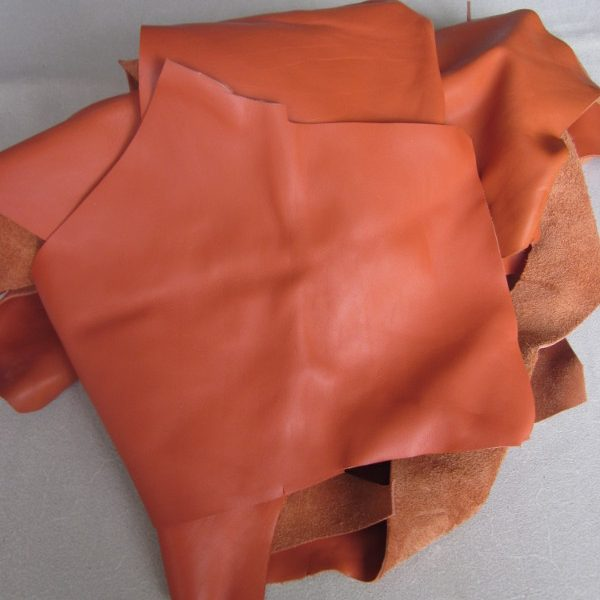 Chute de cuir lisse orange