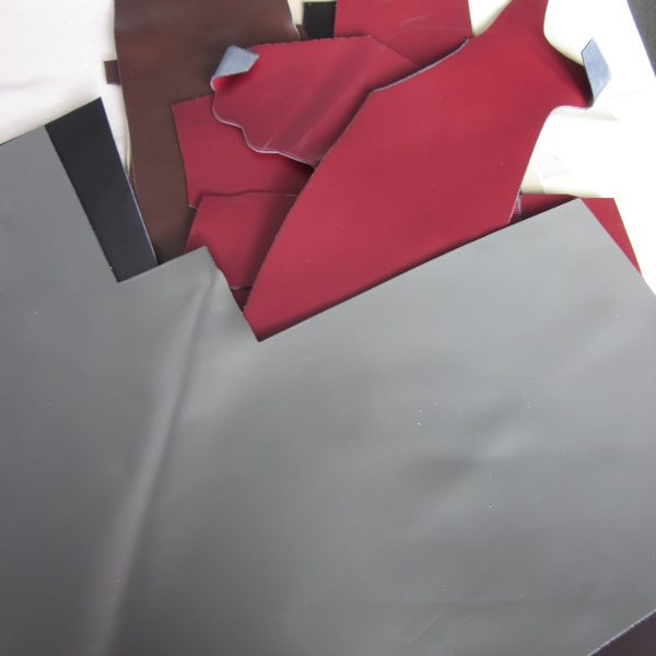 Chutes de croûte de cuir coloris divers
