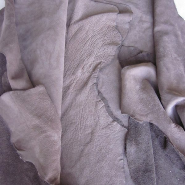 Grande chute de cuir pleine fleur nubuck taupe