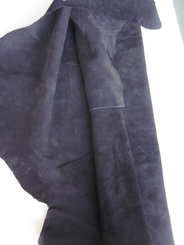 Grande chute de cuir pleine fleur nubuck noir
