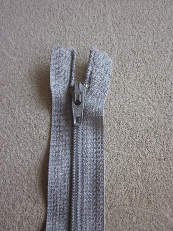 Fermetures éclair nylon gris clair