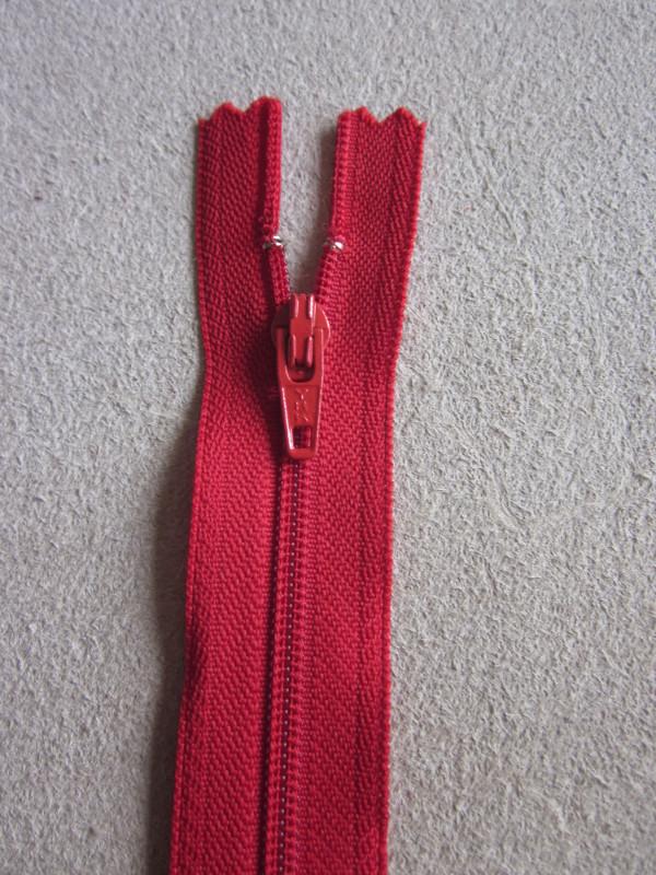 Fermeture éclair nylon rouge vif