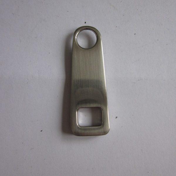 Tirette métal moulé réf 302